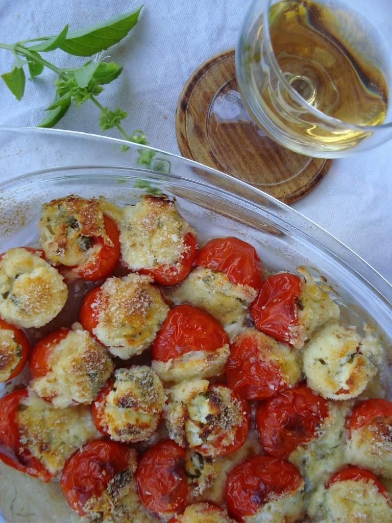 Ćeri paradajz punjen sirom 2
