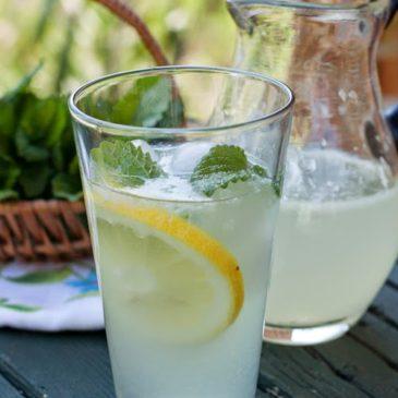 Limunada sa matičnjakom