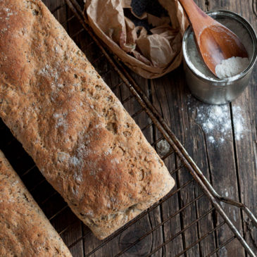 Hleb sa ovsenim pahuljicama i semenkama