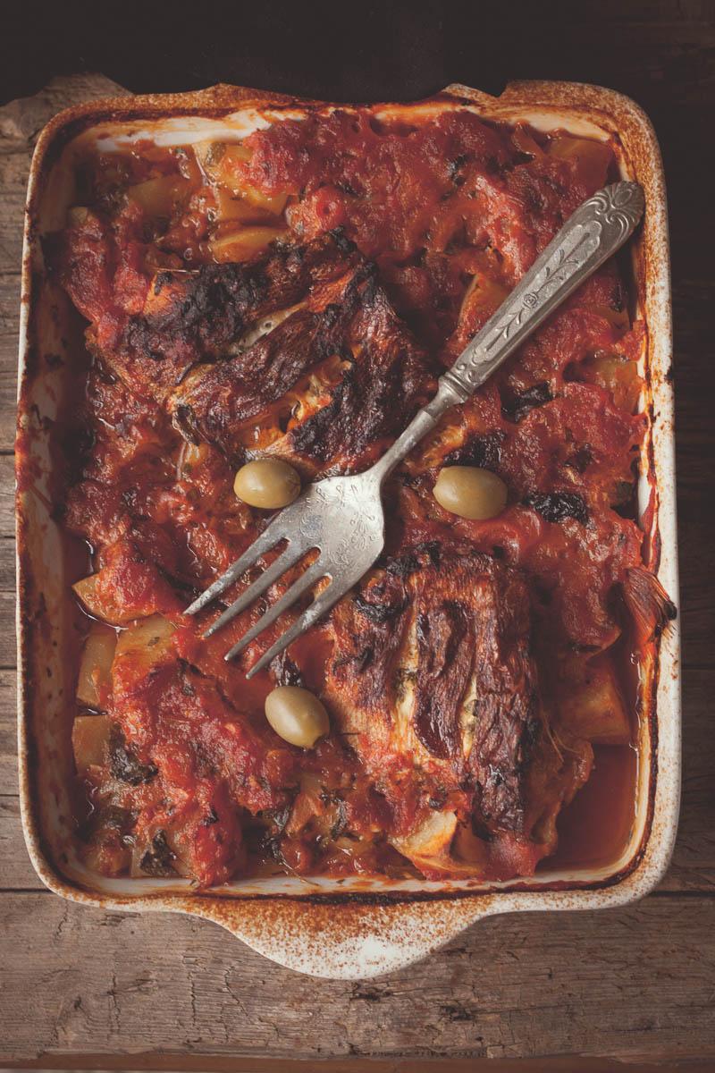 riba u paradajz sosu