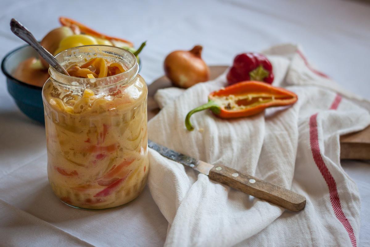 Salata sa paprikom i lukom