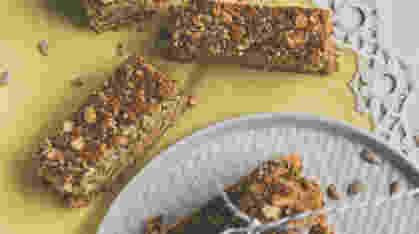 Zdrave ovsene štanglice sa susamom, tahinijem i čia semenkama