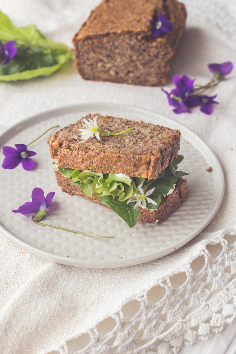 Preukusni, zdravi hleb od heljde sa čia semenkama