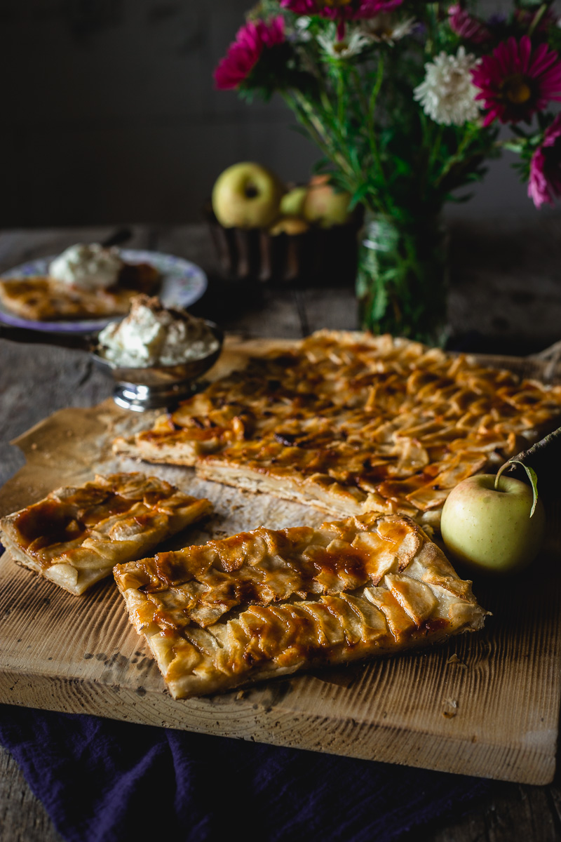 Tart od jabuka sa lisnatim testom