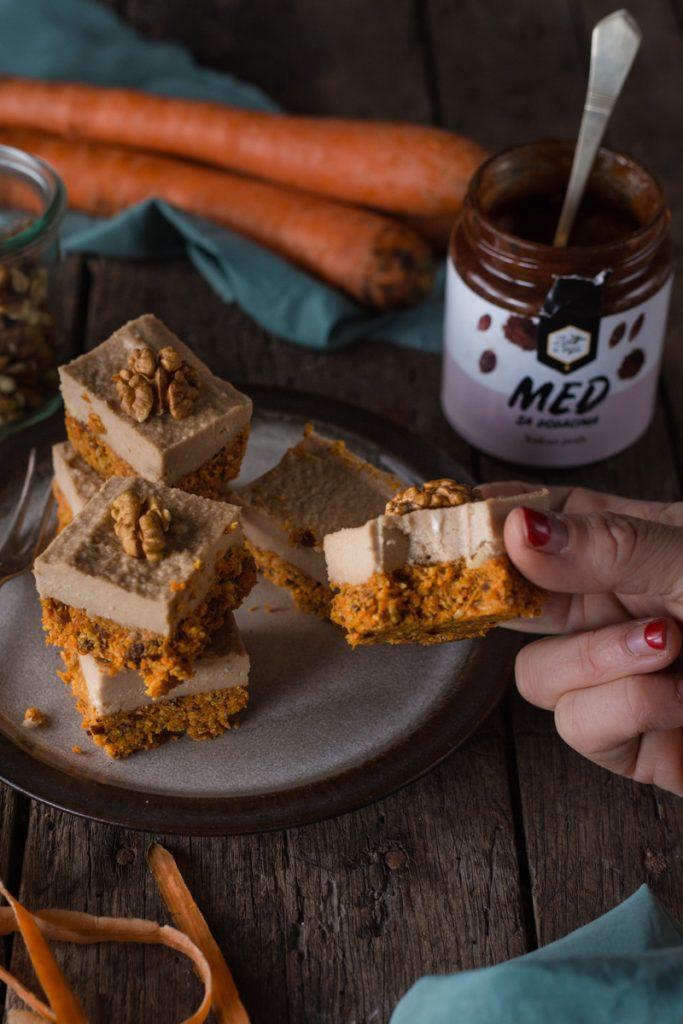 Sirovi kolač sa šargarepom