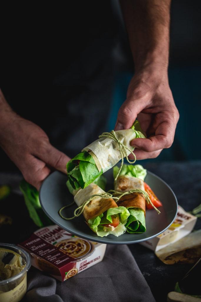 zamotuljci sa humusom i grilovanim povrćem