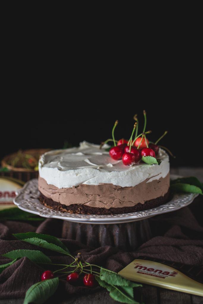 torta sa tri vrste čokolade i trešnjama