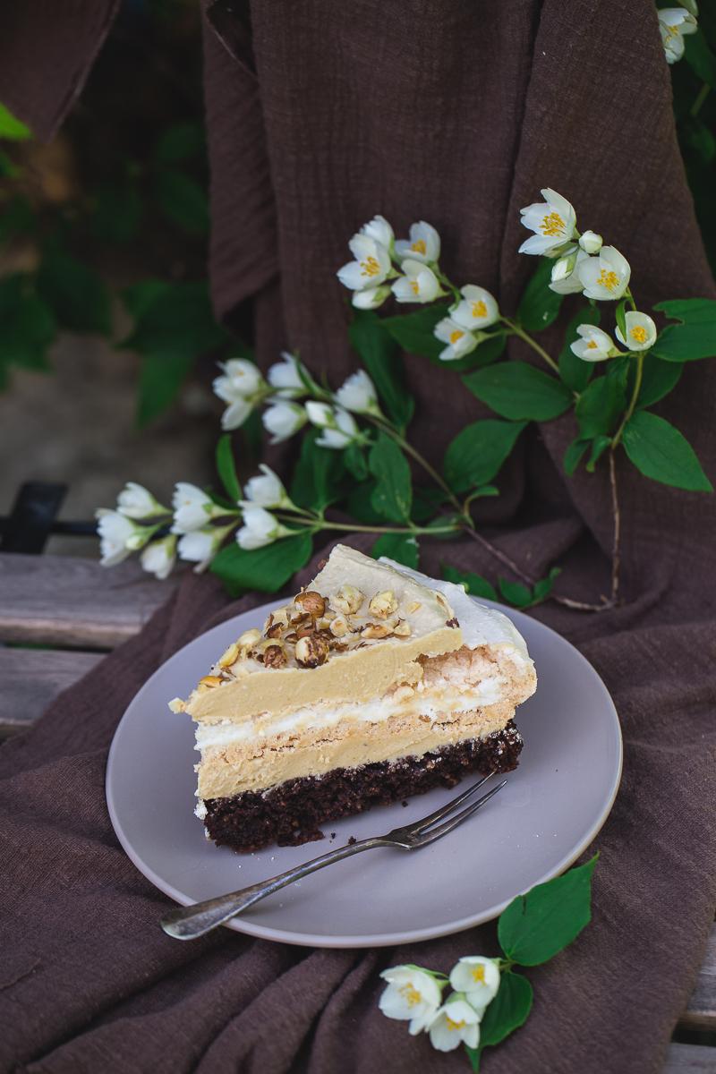 Parče torte sa lešnicima