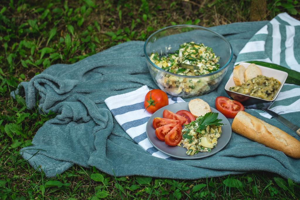 piknik sa salatama u prirodi