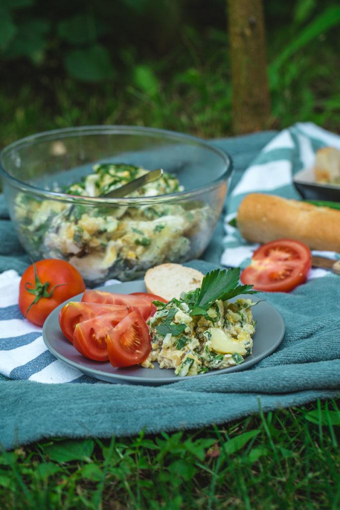 krompir salata sa jajima i kiselim krastavcima