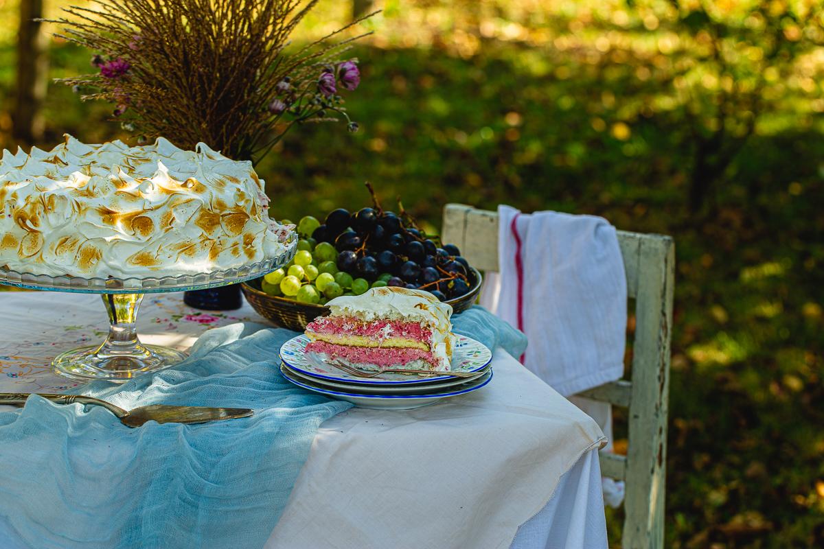 Torta sa malinama i kokosom - parče