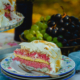 parče torte sa malinama