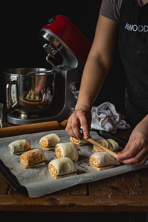 priprema savijene zemičke