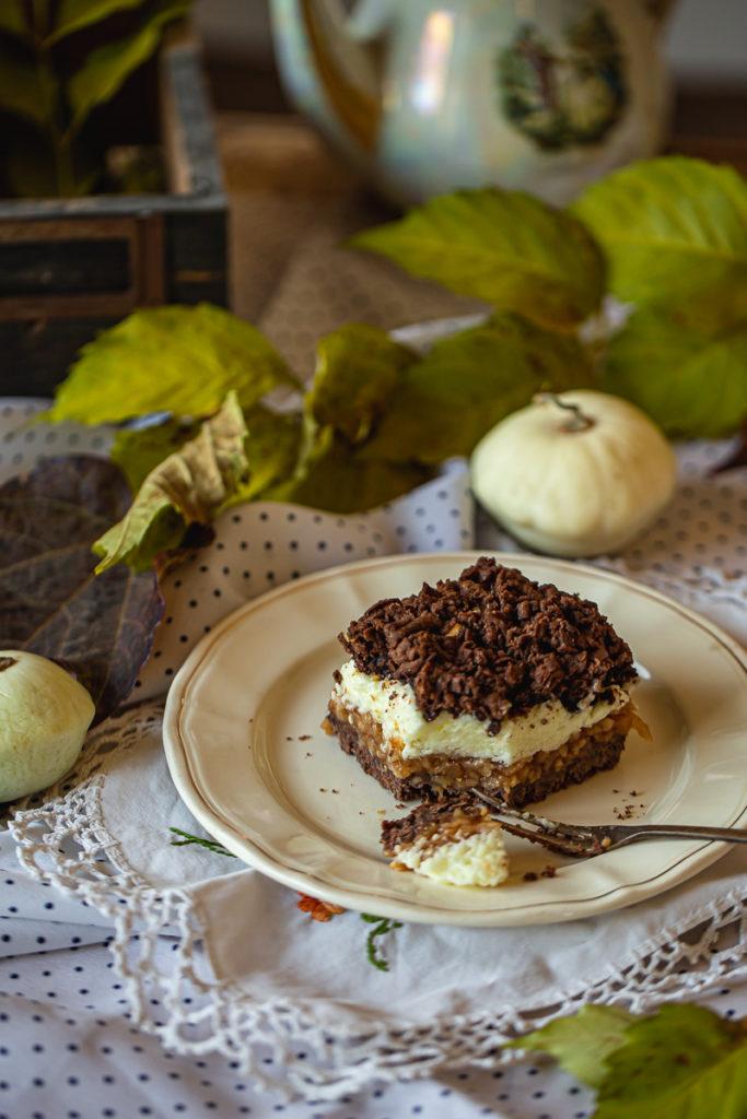 Prhki kolač sa jabukama