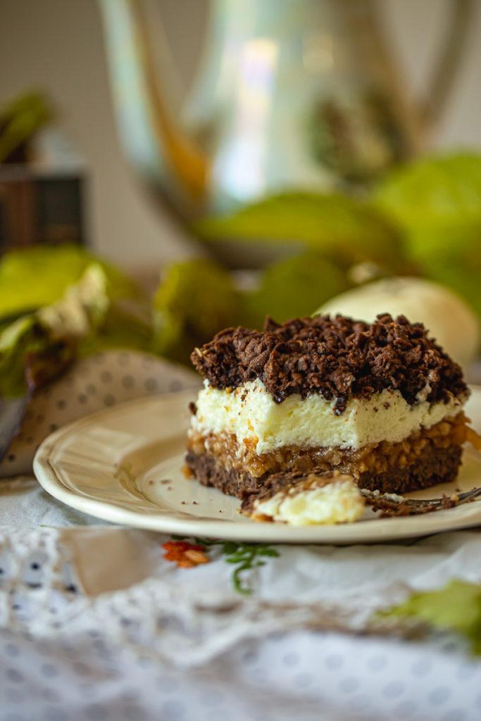 Prhki kakao kolač sa jabukama