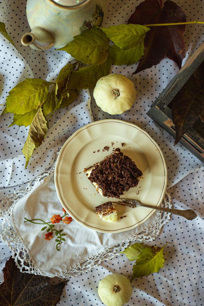 Pogled odozgo na kolač sa jabukama