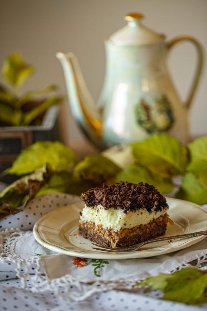 divni kakao kolač sa jabukama