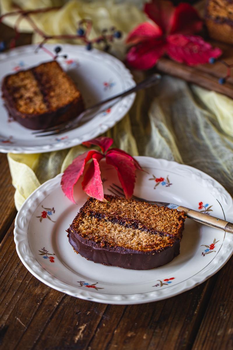 medeni kolač sa kvascem i čokoladom