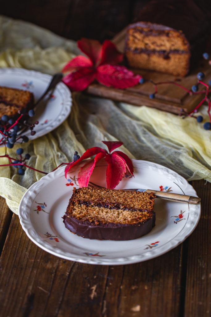 Pravi zimski kolač sa začinima, medom i čokoladom