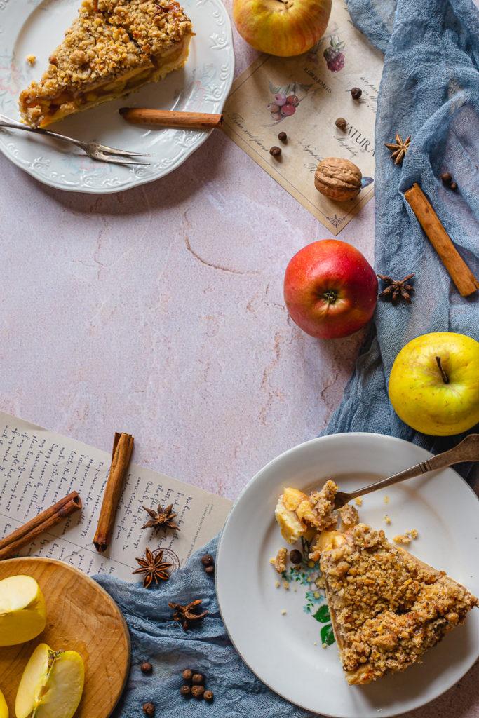 pogled na holandski pitu sa jabukama i začine