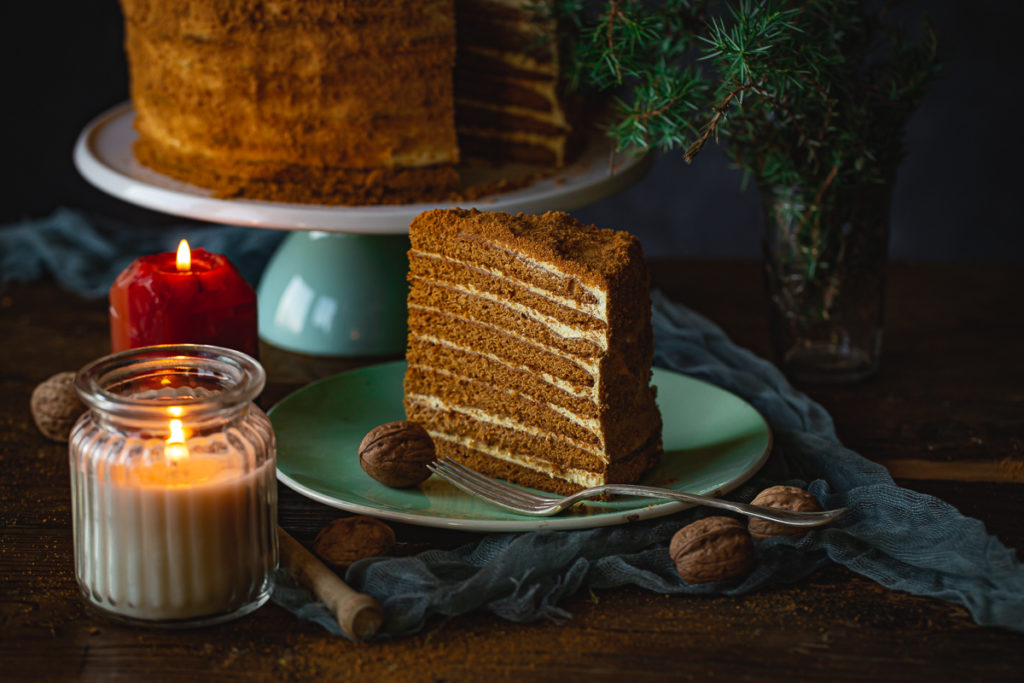 parče medovik torte