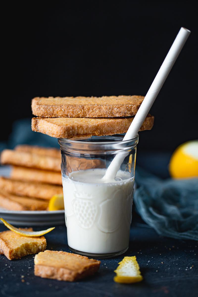 mleko i keksići