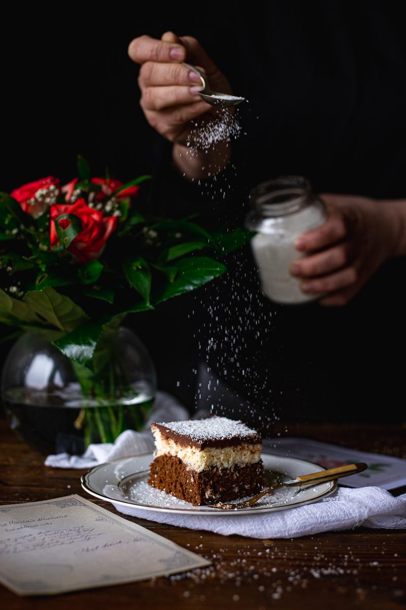 čokoladni kolač sa kokosom baunty