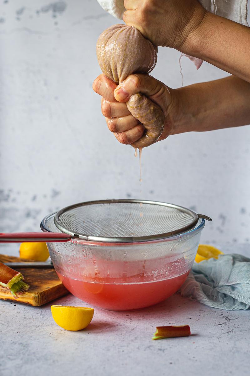 priprema sirupa od rabarbare