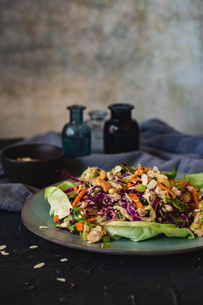 Pileća salata sa azijskim dresingom