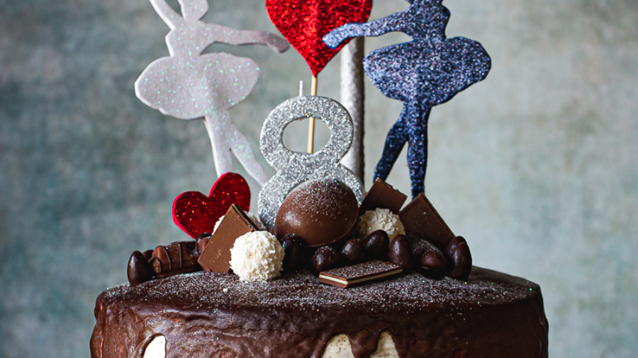 Torta sa jagodama i čokoladom