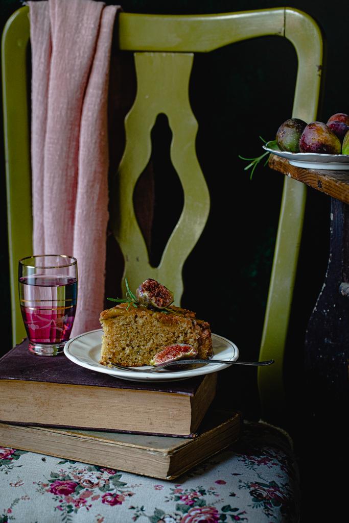 Prevrnuti kolač sa smokvama
